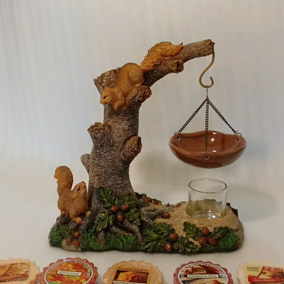 Yankee candle wax melt squirrels in tree